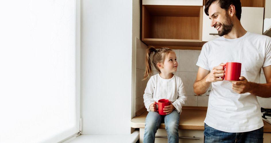 Сегодня случилось что-то хорошее?: что нужно спрашивать ребенка вместо банального Как дела?