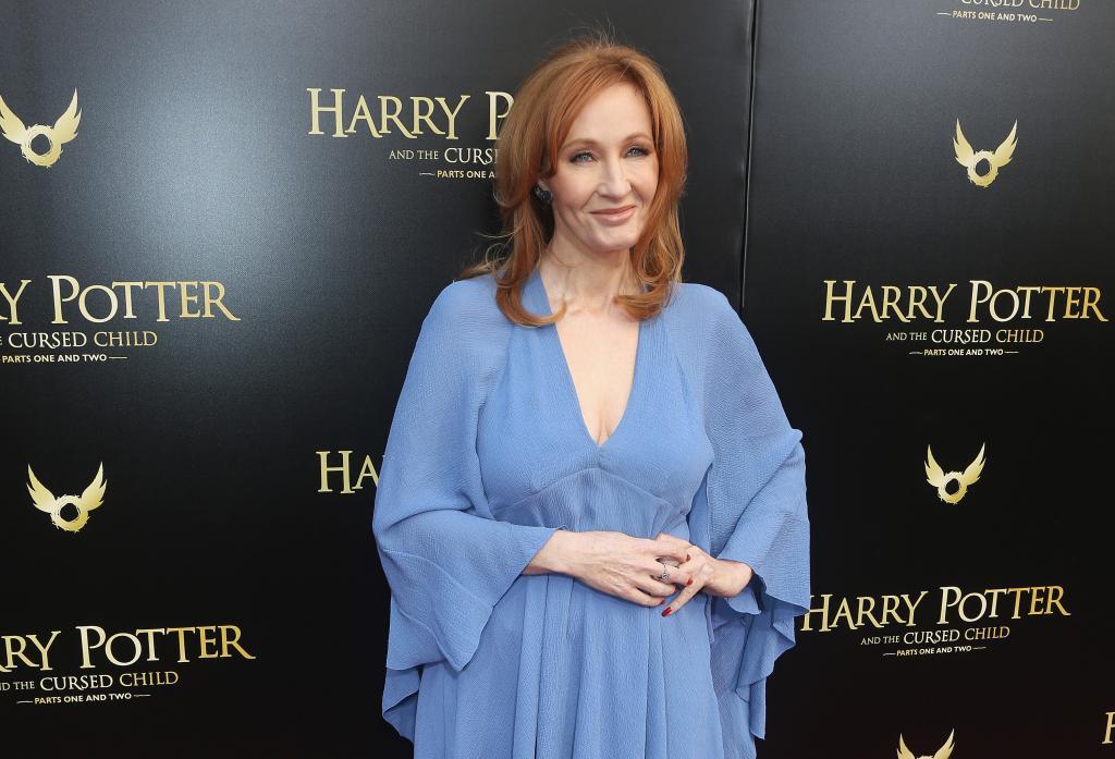 Автор Гарри Поттера превратила новую сказку в сериал: главы произведения публикуются каждую неделю и уже есть на русском языке