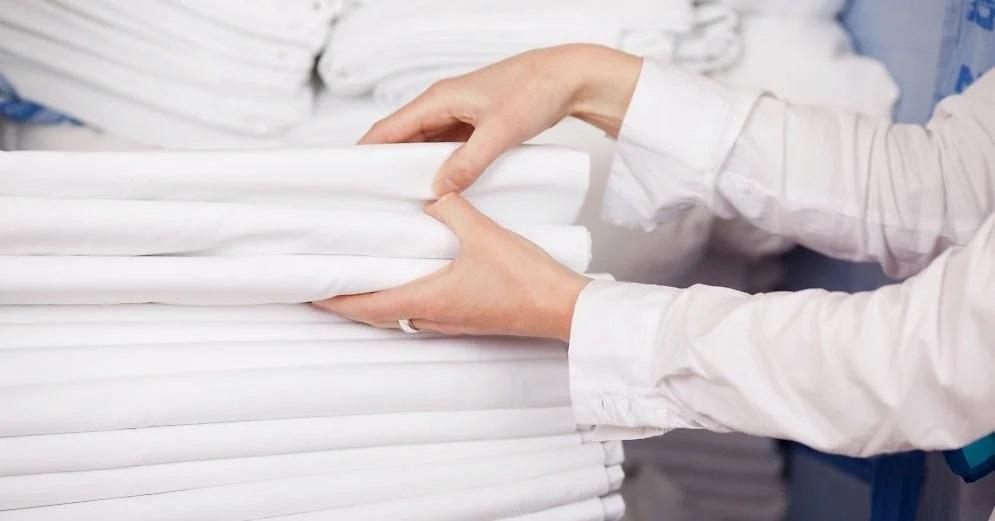 Мои шторы и занавески всегда белее белого. Все просят открыть секрет, а он прост - стираю с молоком