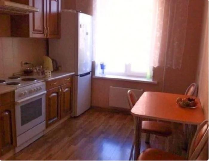 Жена долго выпрашивала ремонт на кухне. Когда она увидела результат, то не захотела там готовить