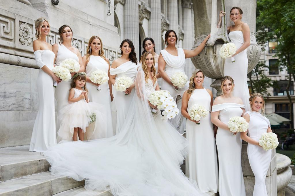 Стилист рассказал, как выбрать идеальное свадебное платье в соответствии с типом фигуры