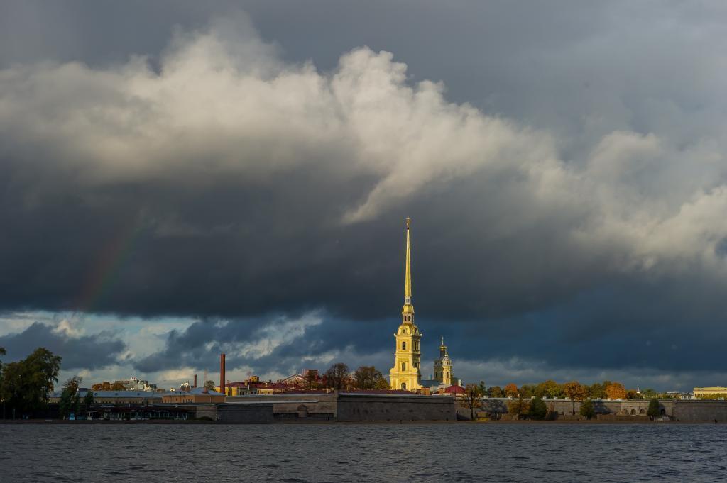 В центре Санкт-Петербурга вновь закрыли парки: коронавирус, к счастью, здесь ни при чем
