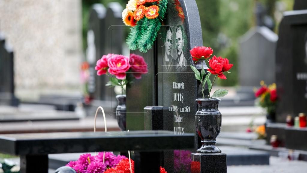Любое кладбище - это мощная энергетическая воронка. Что нужно сделать сразу после похода туда, чтобы не обессилеть и не заболеть через несколько дней (3 совета опытного медиума)