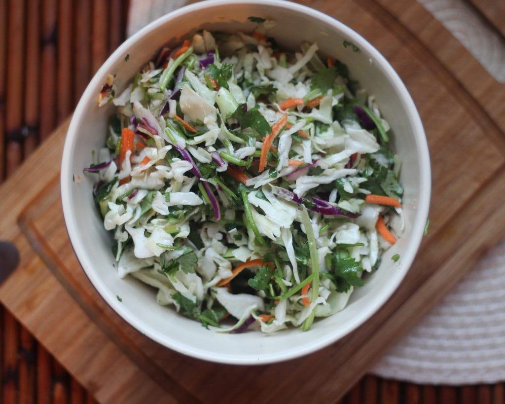 Сладко, но с остринкой: рецепт приготовления салата Три перца с фото