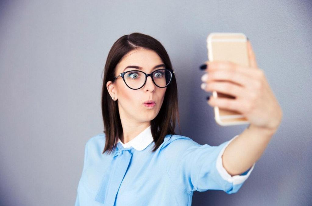 Самодостаточность или желание получить признание: о чем говорят фото, которые вы размещаете в соцсетях