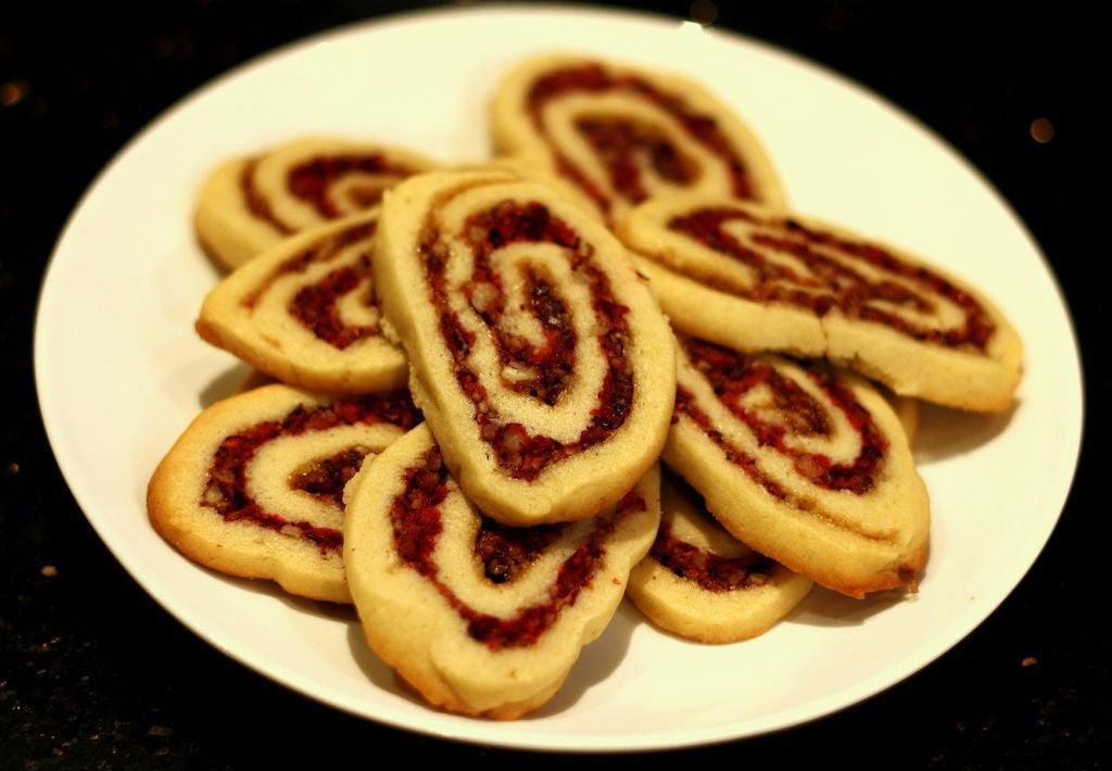От моего фирменного печенья еще никто не отказывался: готовлю его с клюквой и орехами