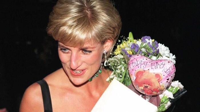 На своем последнем дне рождения принцесса Диана жалела, что обязанности разлучают ее с сыновьями