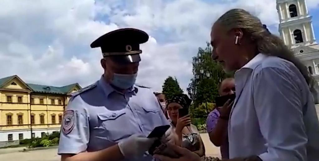 Повторил приключение Волочковой: Никиту Джигурду задержала полиция в закрытой деревне