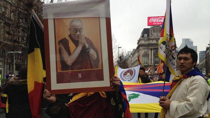 Тензин Гьяцо – суперзвезда! К своему 85-летию Далай-лама выпустил музыкальный альбом Внутренний мир с авторскими мантрами – видео