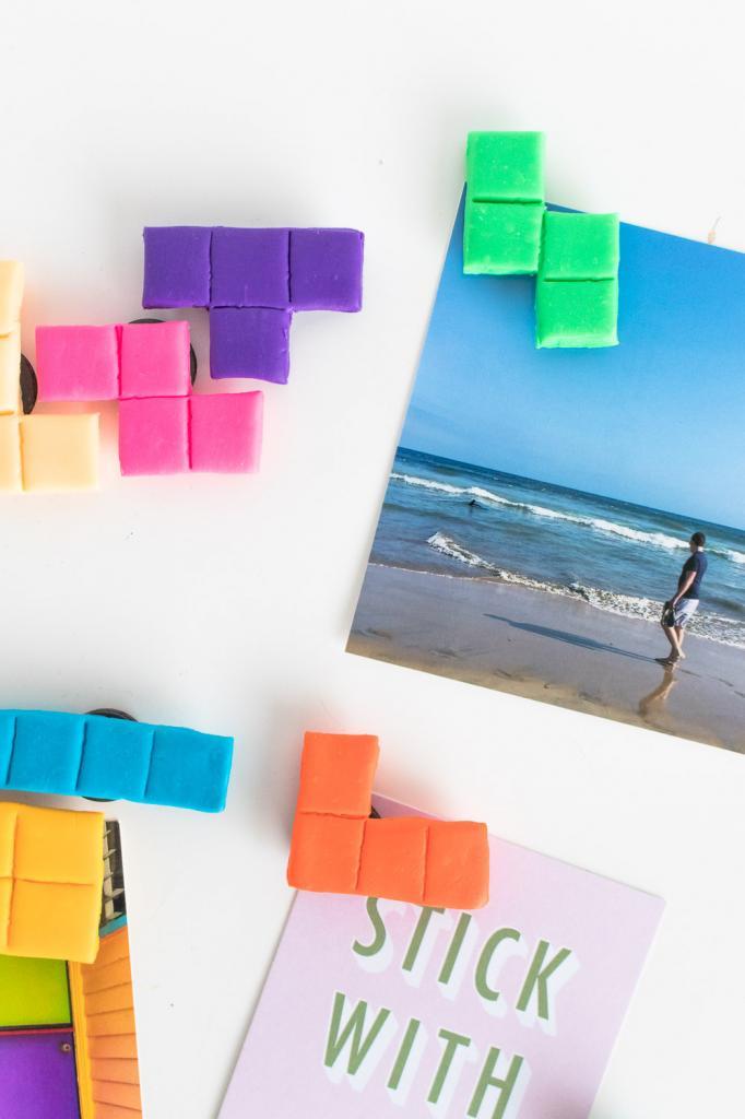 Сделала очень милые разноцветные магниты в виде тетриса: смотрятся симпатично и делать их просто