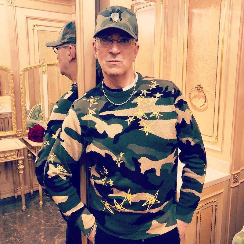 Певец Александр Буйнов похвастался в Instagram своей загородной баней