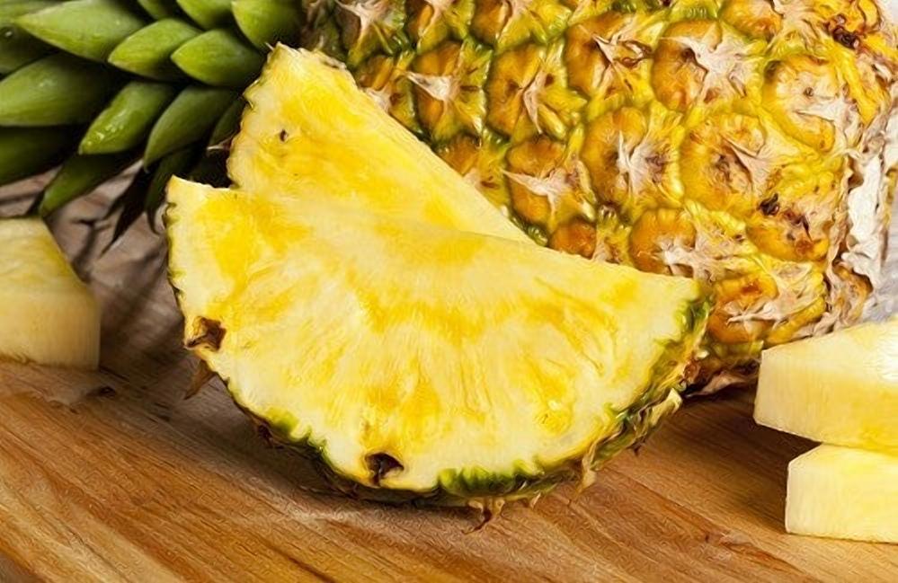 Такой важный марганец: женщинам следует включить в свой рацион ананасы