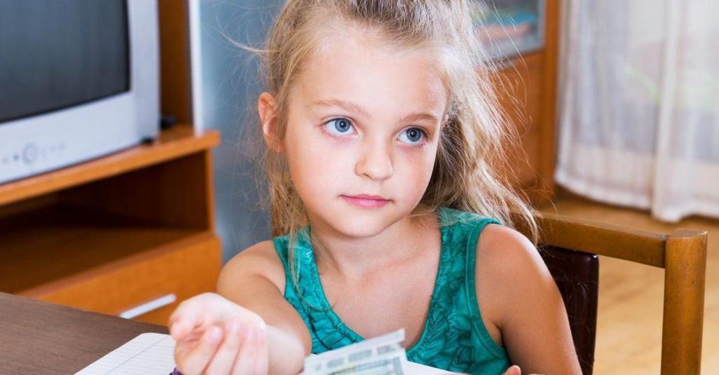 У нас нет денег: часто говорила эту фразу дочке, когда та что-то просила. Теперь сильно жалею
