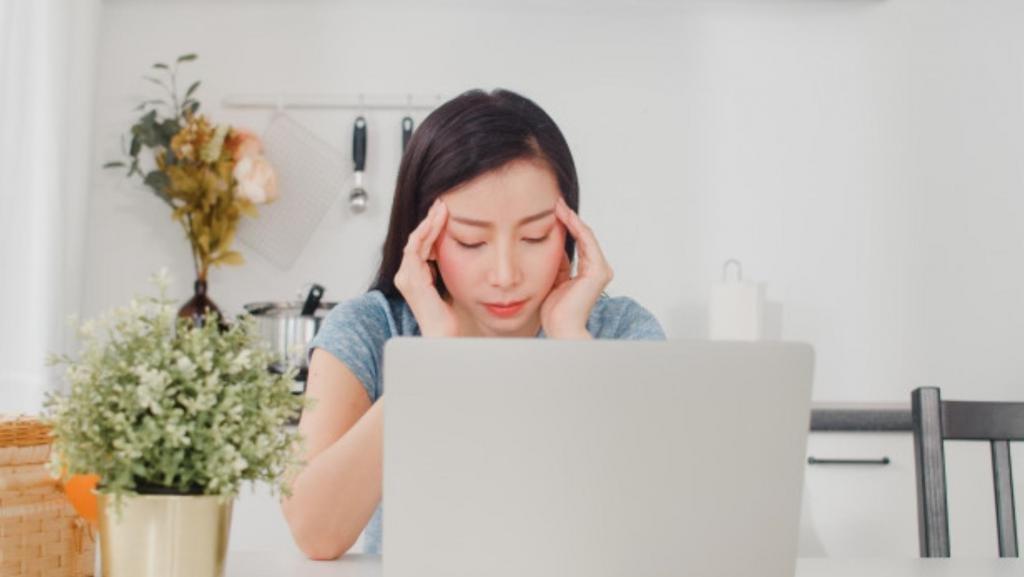 Смейтесь, дышите либо кричите: 10 способов уменьшить стресс всего за 5 минут, по мнению экспертов