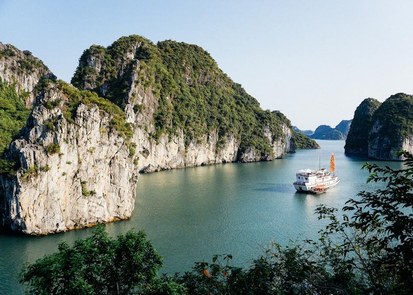 Узнали, что уже в августе можно будет летать в другие страны: решили не тратить время и подобрать уникальный маршрут по одной из самых экзотических стран   Вьетнаму