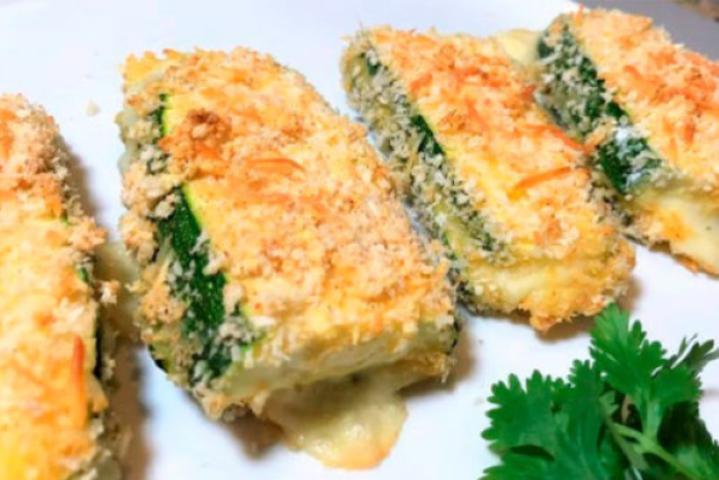 Беру кабачки и сыр, запекаю в духовке. Получается вкусное блюдо с минимальными затратами