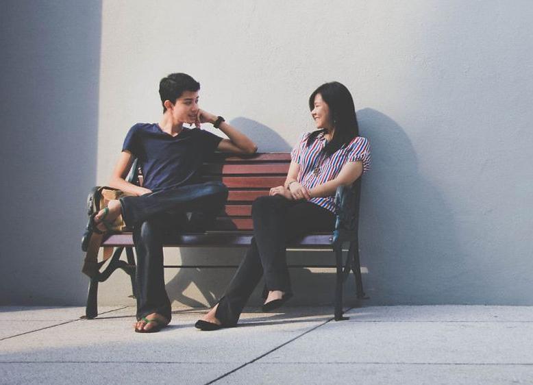 Я не лгу, я недоговариваю. Даже небольшие мелочи могут разрушить отношения, но нужно понимать, что иногда лучше и помолчать. Психолог объясняет разницу