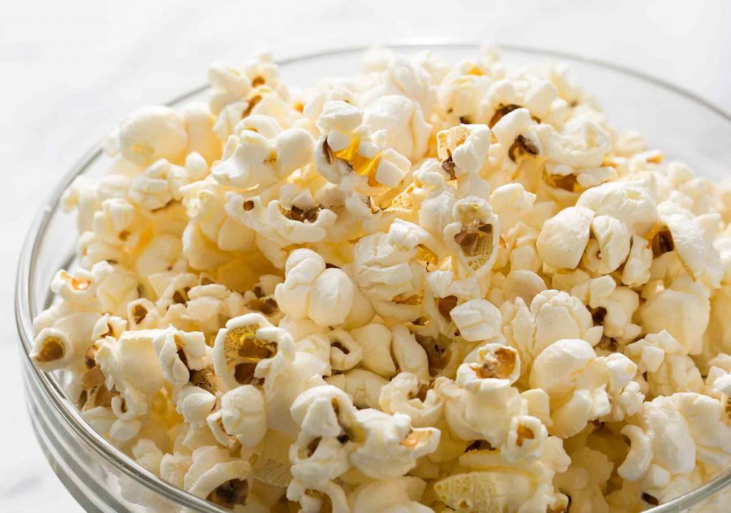 Вкусно не значит вредно: попкорн, жареная свинина и другие продукты, которые, вопреки общему мнению, полезны