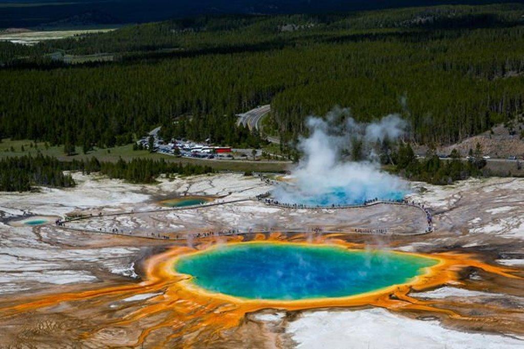 Кто разбудит великана: подземные толчки продолжают тревожить супервулкан Йеллоустоун, который просыпался последний раз 70 000 лет назад