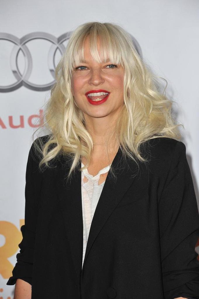 Певица Sia рассказала о том, как стала бабушкой в 44 года