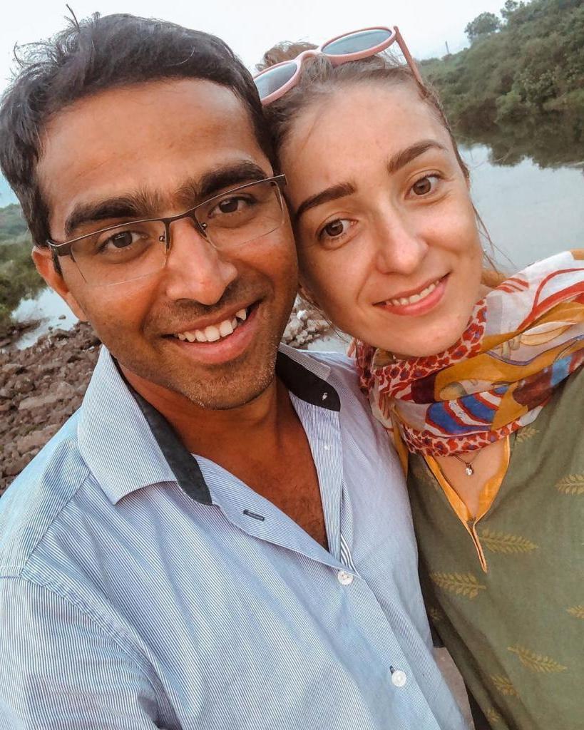 Девушка из Казани вышла замуж за индуса и переехала жить в его деревню. Как сложилась ее семейная жизнь