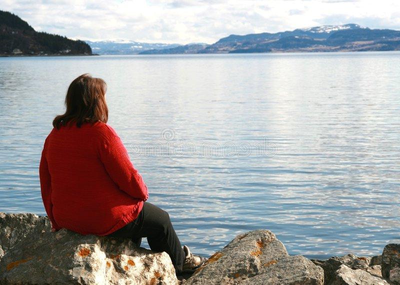 Канадские ученые доказали: мужчины в изоляции худеют, а женщины набирают вес