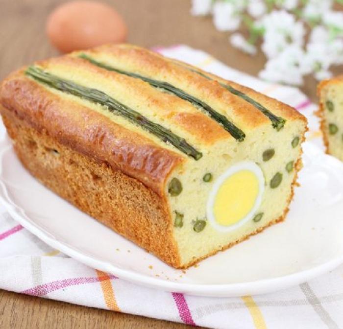 Подруга показала рецепт нежнейшего кекса со спаржей и вареными яйцами: теперь такой готовлю не только к чаю, но и на бутерброды