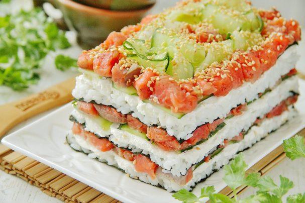 """Салат """"Суши Калифорния"""". Роскошное блюдо, которое покорит любого гурмана!"""