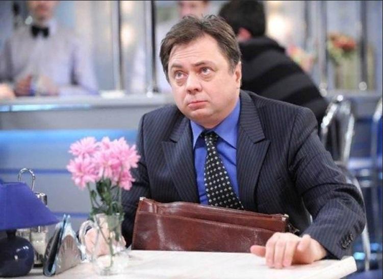 Сейчас Андрею Леонову 61 год. А как в этом же возрасте выглядел его отец Евгений Леонов (недаром все говорят о сильном сходстве актеров)