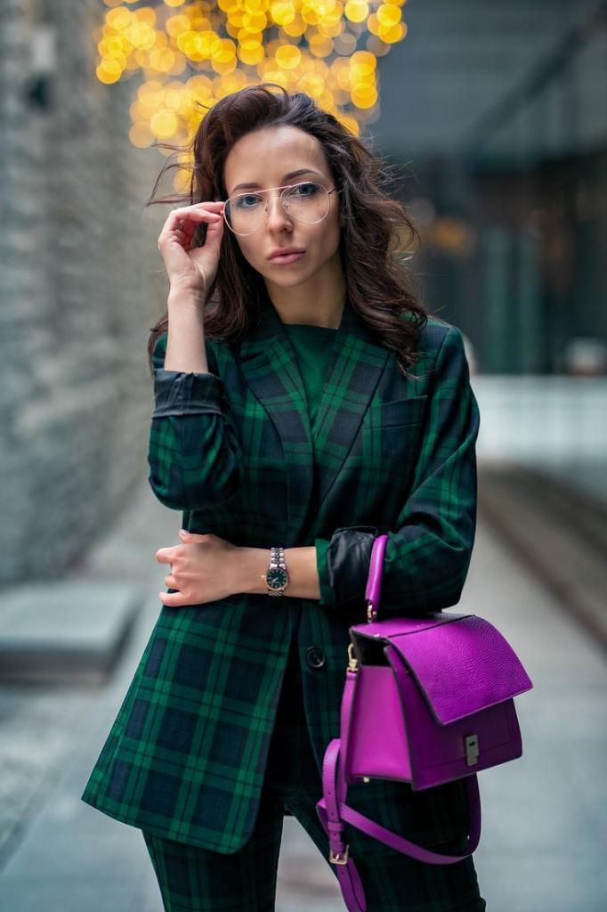 Осенью-2020 гардероб нужно пополнить 4 новыми оттенками, чтобы создавать самые стильные сочетания: рекомендации стилистов с фото