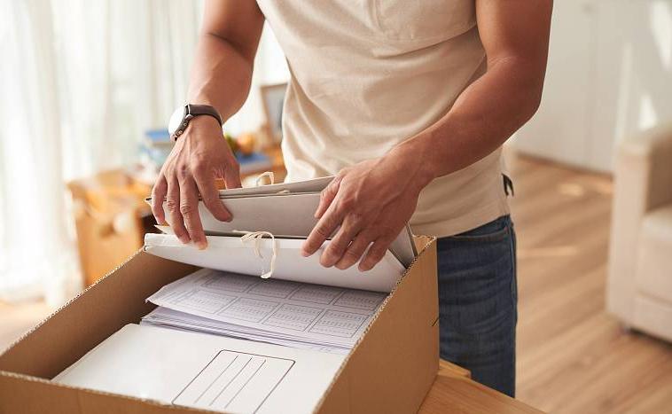 Обувным коробкам - нет: как организовать безопасное хранениеважных документов и легко находить нужный