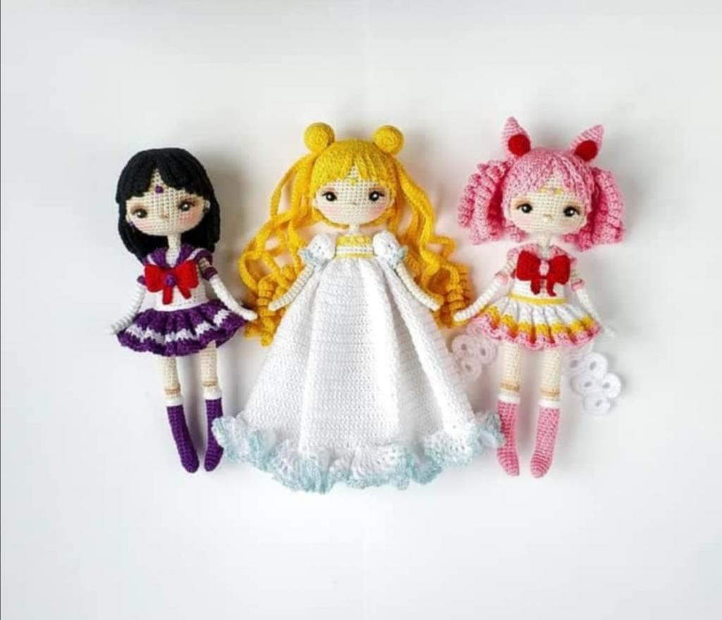 Россиянка покоряет подписчиков своей коллекцией кукол Сейлор Мун: люди не могут поверить, что она их связала