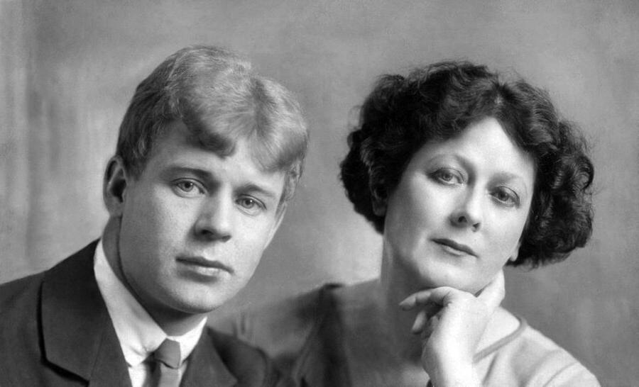 У Есенина было много женщин, но по-настоящему любил он только двух. Одна из них – Айседора Дункан, а кто вторая?