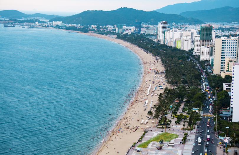Решили в сентябре отдохнуть во Вьетнаме: чтобы разнообразить путешествие, составили тур по самым лучшим пляжам этой страны