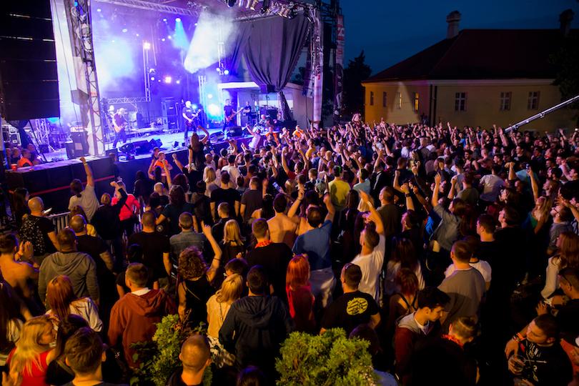 Братский народ Сербии ждет русских туристов: решили в этом году отдохнуть как следует и составили топ самых лучших способов развлечься в этой стране. Делимся списком