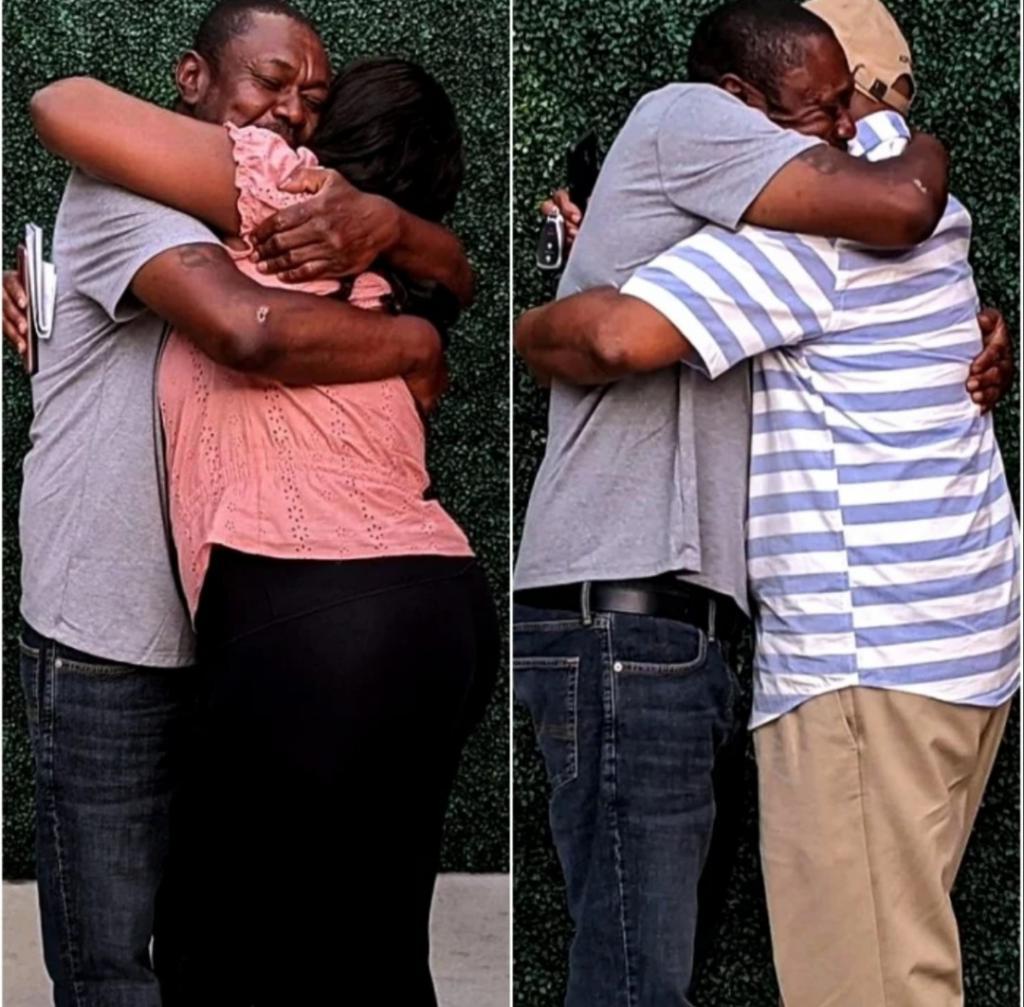 Молодая пара помогла бездомному найти родственников. Как прошла первая встреча