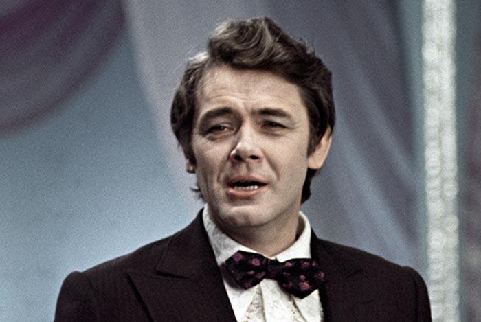 Знаете, каким он парнем был! : к 90 летию Юрия Гуляева   голоса эпохи 70 х, человека с лучезарной улыбкой и любящим сердцем (видео)