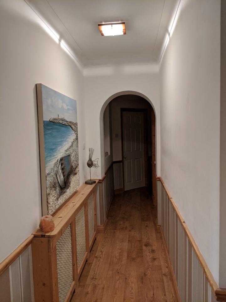Увидев идею у подруги, Натали решила покрасить стены дома тем же способом