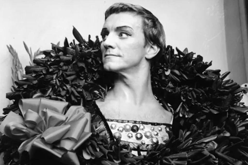 О том, что у Мариса Лиепы была внебрачная дочь, многие узнали, провожая танцора в последний путь. Мария выросла красивой женщиной (фото)