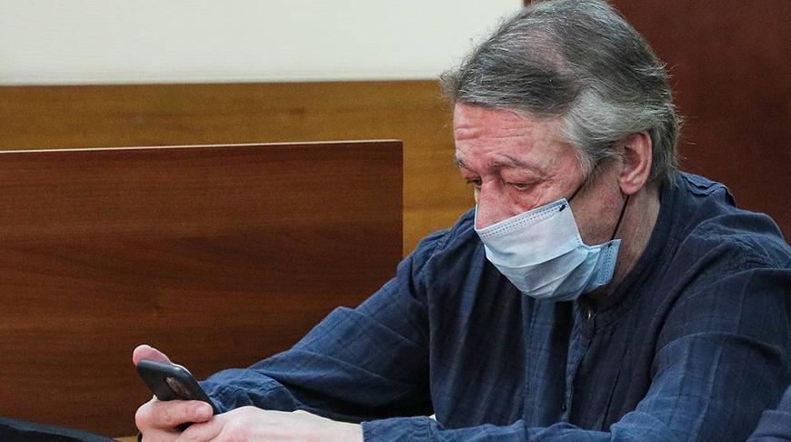 Начался судебный процесс по делу Ефремова: обвиняемый вину не признал, а гражданская жена Захарова не получила статус потерпевшей