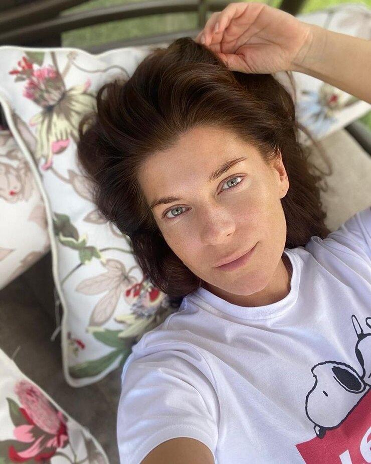 Никак не угодить: актриса сериала Воронины сделала фото без макияжа и призвала женщин любить себя в любом виде