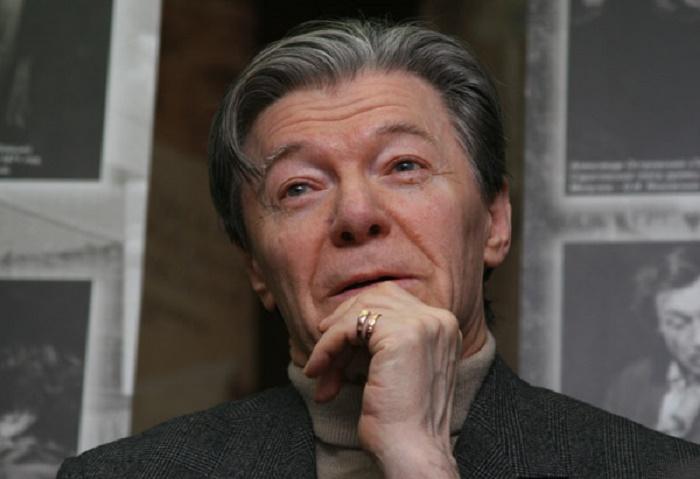 Александру Збруеву было 55, когда у него родилась дочка от романа на стороне. Сейчас Татьяна — копия своей красивой матери в молодости