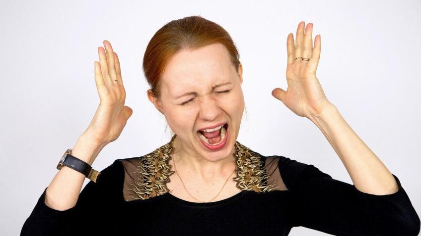 Психиатр Юрий Вяльба о пользе крика: «В момент сильного эмоционального напряжения это помогает»