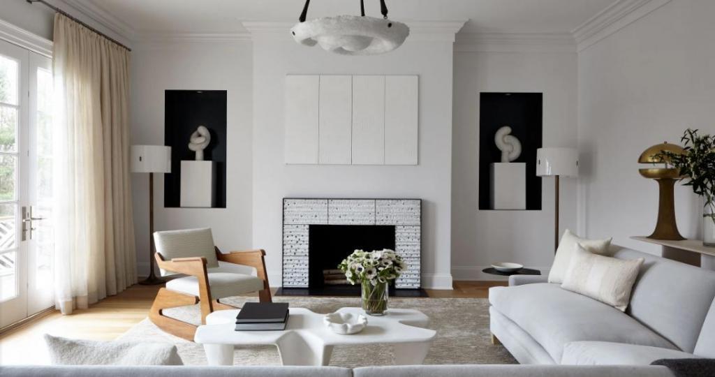 Комфорт и изысканность: классический интерьер семейного дома, наполненного искусством