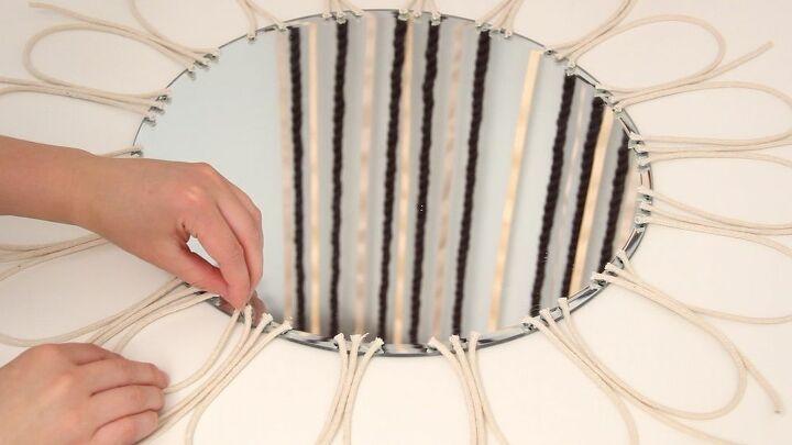 Смешала крахмал с водой и оформила круглое зеркало: гости теперь думают, что я купила его в дизайнерском магазине
