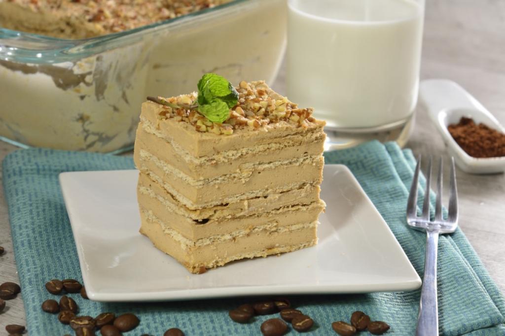 Холодный кофейный тортик всего из 3 ингредиентов и горстки орешек: готовлю такой всегда, когда неожиданно нагрянут гости