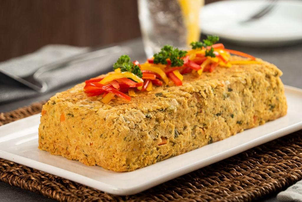 Мясной пирог с овощами и горчицей. Никакой мороки у плиты - смешала все в миске, выложила в формочку - и в духовку