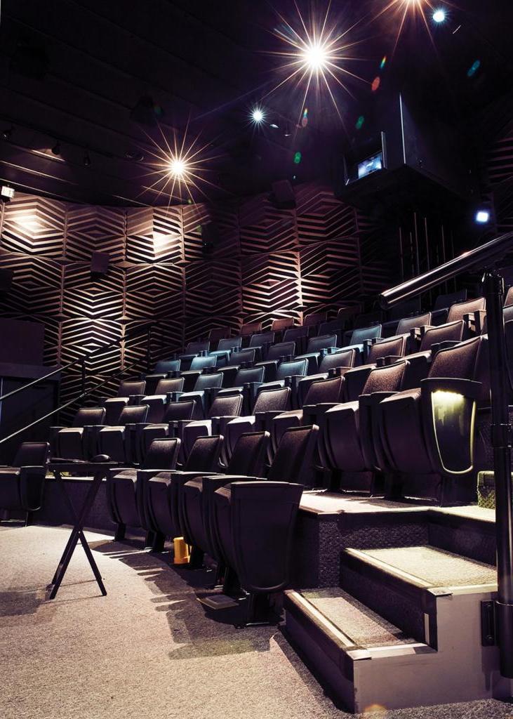 Владельцы кинотеатров снова радуются. Есть вероятность открытия сезона уже в августе, причем сразу десятью премьерами