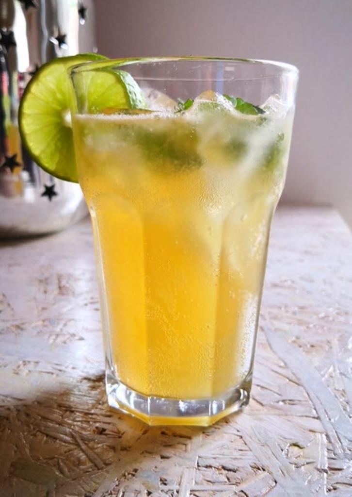 Жареный цитрус, или Охлаждающий напиток на гриле: уникальный рецепт классического лимонада, подчеркивающего истинный вкус фрукта
