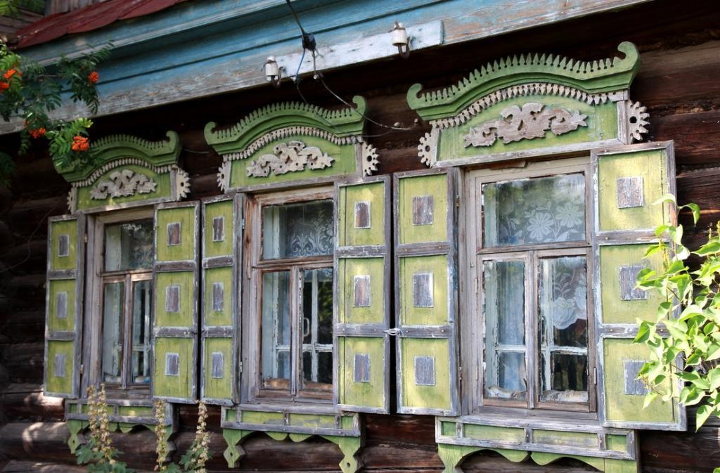 Когда у домов были  лица : современные мастера наличников рассказали о своем искусстве и о том, есть ли будущее у индивидуальной красоты в мире массовых застроек